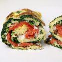 Lunch: omelet met zalm, roomkaas en spinazie